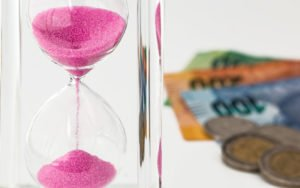 Zeit ist Geld (Bild: Pixabay)