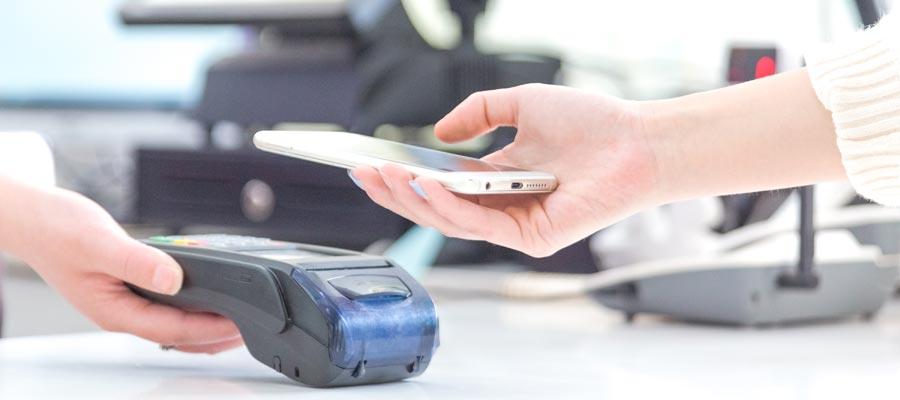 Smartphone mit RFID (Bild: Freepik)